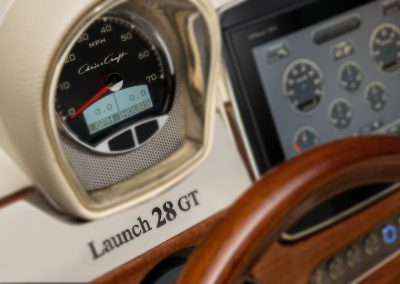 h-_studio-photography_launch-28-gt_gallery_resized_chris-craft-launch-28-branding-on-dash-blur-option
